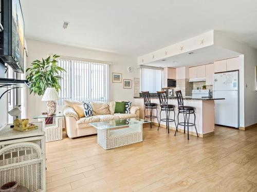 132 W Pine Street #B; Inlet Condominiums