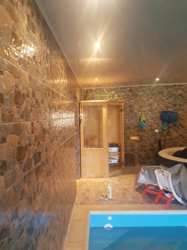 Niveau de villa avec piscine et sauna sec