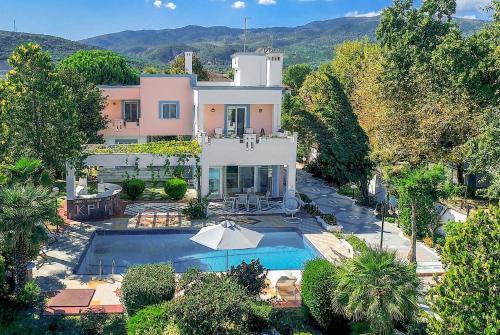 Platamonas Villa Sleeps 8 Pool Air Con WiFi, Platamonas