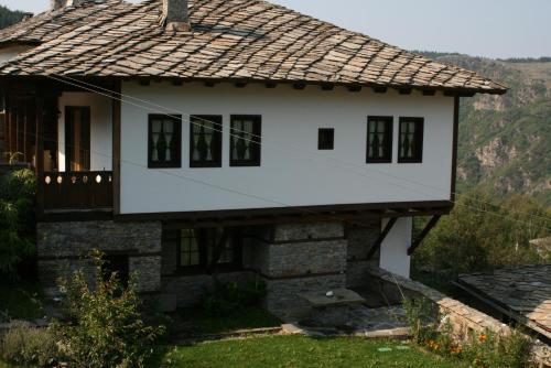 Kanina Guesthouse