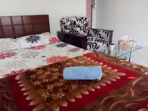Cozy Room with Balcony in Bashundara RA, Dhaka