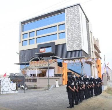 Hotel Landmark Royale