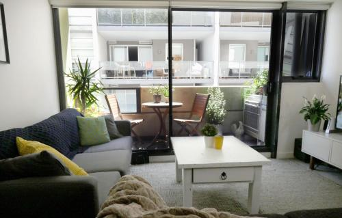 Quiet Modern/Rustic home in the heart of Footscray