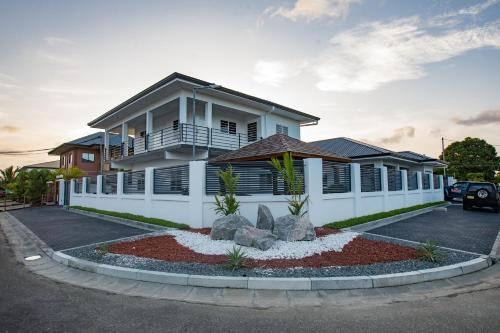 The Arcton Homes, Paramaribo
