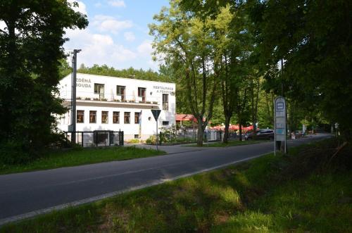 Restaurace a penzion Zdená Bouda