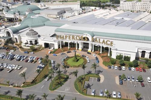 Metcourt At Emperors Palace Prices Photos Reviews