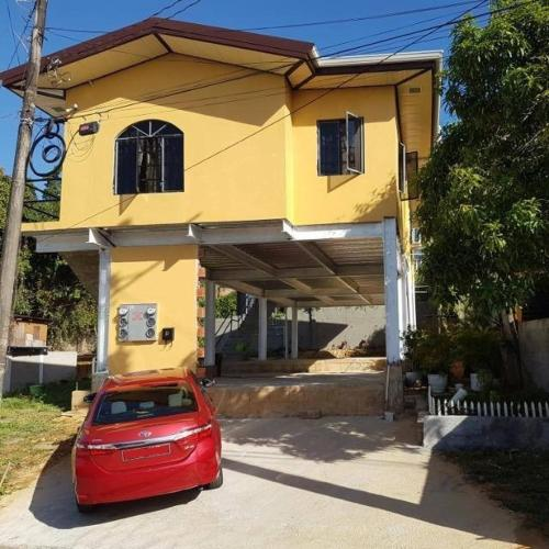 Carnival Apartment in Trinidad, Dibe