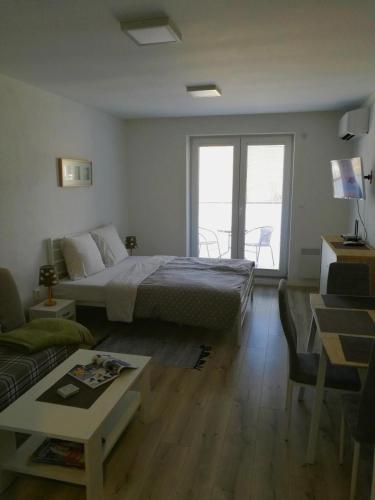 Apartmán Alex, Podhájska