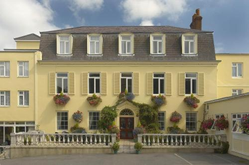 Photo of Les Rocquettes Hotel Hotel Bed and Breakfast Accommodation in Saint Peter Port Channel Islands