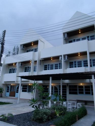 obrázek - Albatross Guesthouse @ Thungwualaen Beach