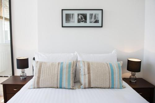 Photo of West One Apartments Self Catering Accommodation in London London