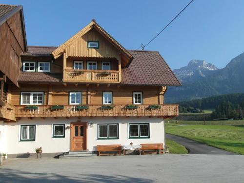 Haslehnerhof - Familienzimmer (2 Erwachsene + 1 Kind)