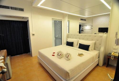 A place to live, Sinajana