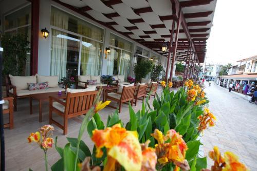 Oassis Hotel - Kassiopi Greece