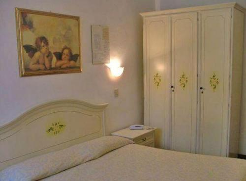 Double Room with Shared Bathroom - Guestroom Hotel Airone