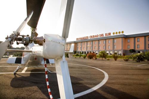 Gran Hotel Ciudad Del Sur 26
