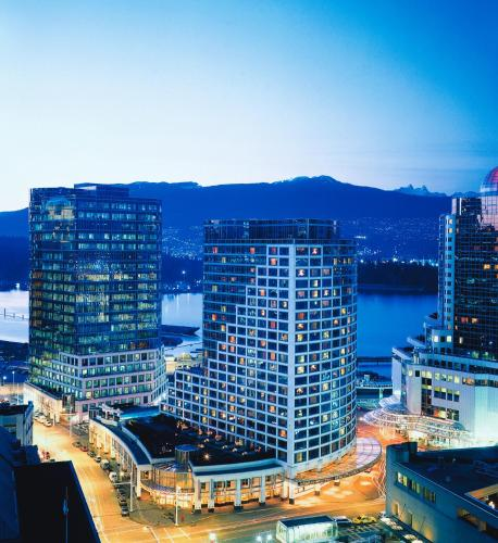 The Edge Apartments Vancouver: Fairmont Waterfront Hotel Review, Vancouver