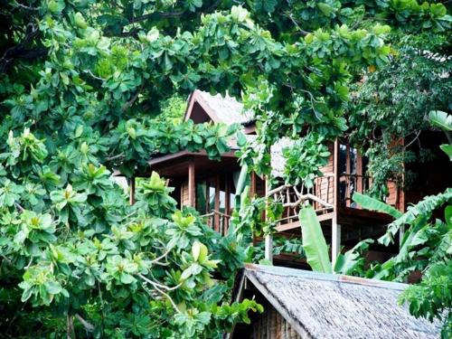 Phi Phi Sunset Bay Resort (B&B)