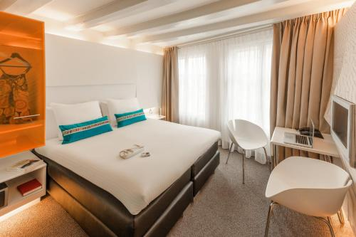 ibis Styles Amsterdam Central Station photo 5