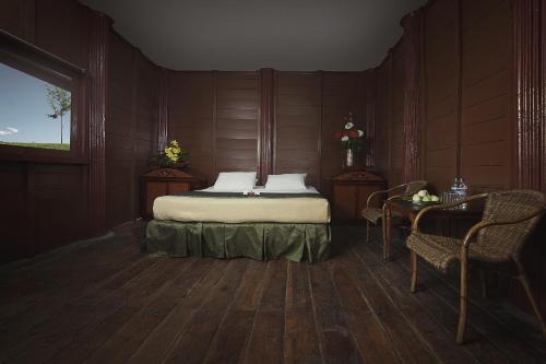 Camplong Hotel