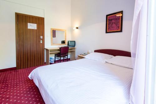 Hotel Sumratin