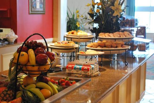 Hilton Garden Inn Philadelphia Center City Photos
