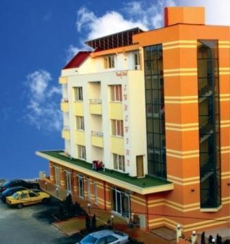 Sunshine Family Hotel