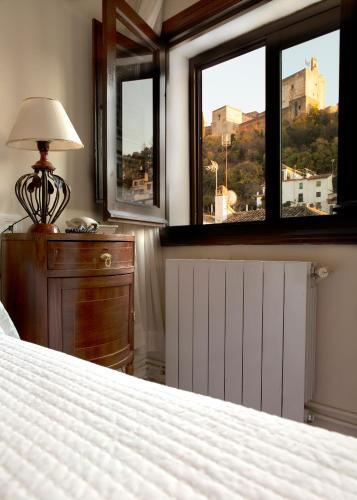 Habitación doble con vistas a la Alhambra - 1 o 2 camas Palacio de Santa Inés 18
