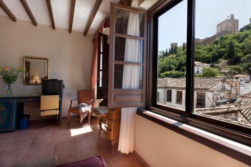 Double or Twin Room with Alhambra Views Palacio de Santa Inés 13