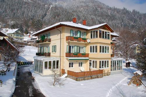 Villa Marienhof (Bed and Breakfast)