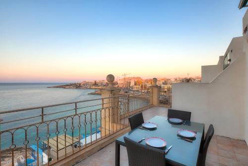 AB6 - Stunning Seafront Penthouse