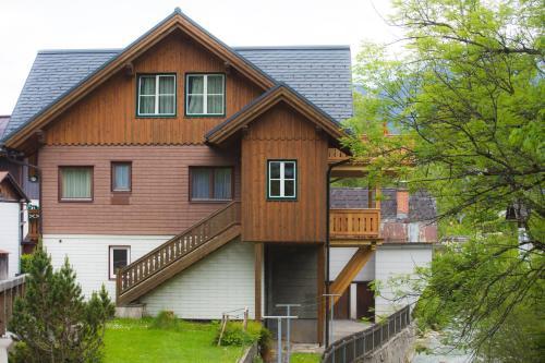 Ferienhaus Pucher - Apartment mit 3 Schlafzimmern und Terrasse