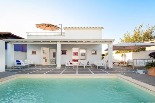 Granelli Villa Sleeps 6 Pool Air Con WiFi