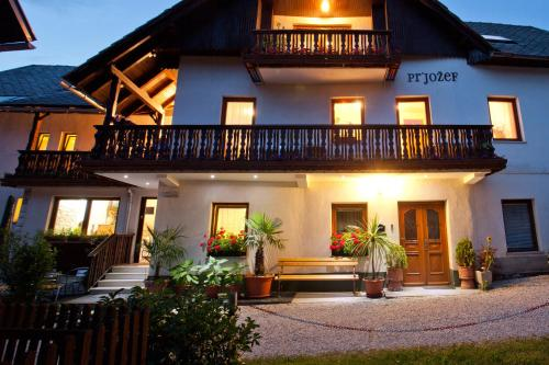 Guesthouse Pr' Jozef front view