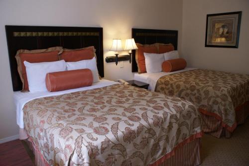 Harborview Inn & Suites-Convention Center-Airport-Gaslamp-Seaworld-Zoo-Balboa Pa CA, 92101