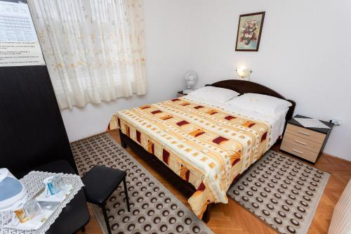 Rooms & Studio Apartment Mira