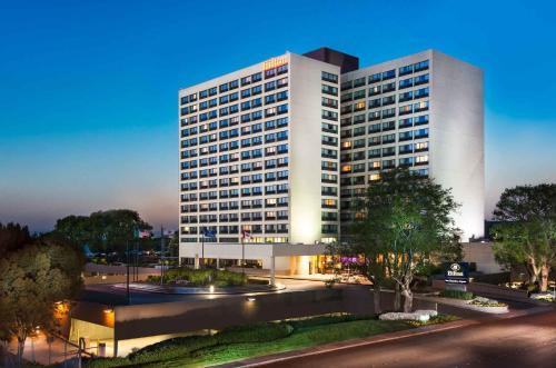 Hilton San Francisco Airport Bayfront CA, 94010