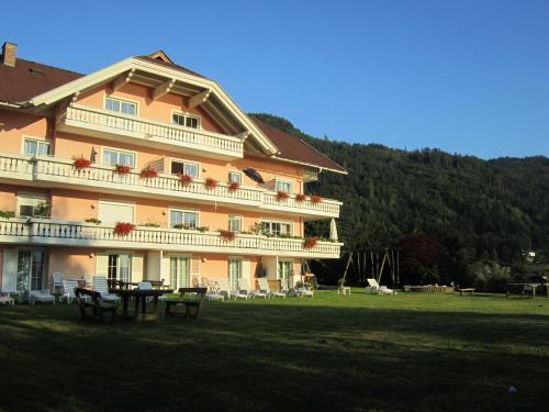 Appartementhaus Karantanien am Ossiacher See - Apartment mit 1 Schlafzimmer, Balkon und Seeblick