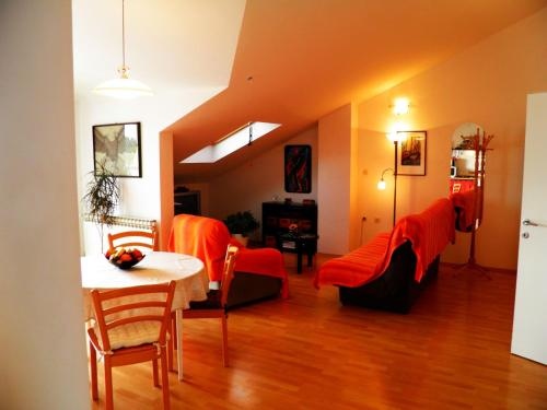 Apartments Tro�t 40