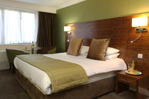Stay at Quality Hotel Boldon