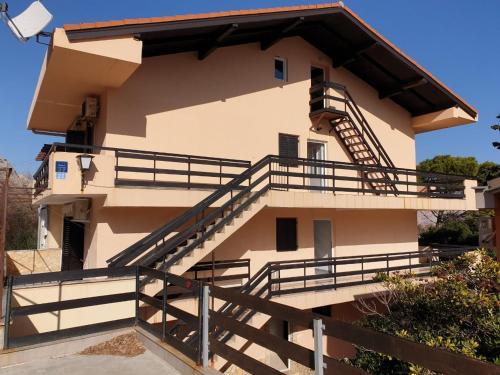 Zana Apartments
