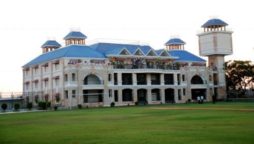Celebrity Club & Resort