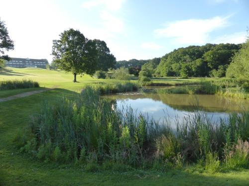 London Beach Country Hotel, Golf Club & Spa