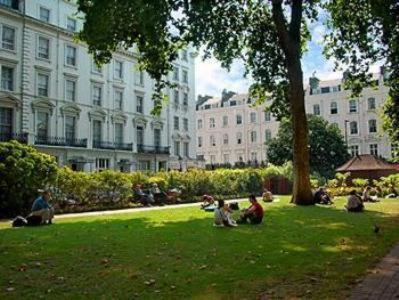 Norfolk Plaza Hotel,London
