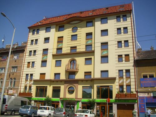 Stay at Green Hotel Budapest