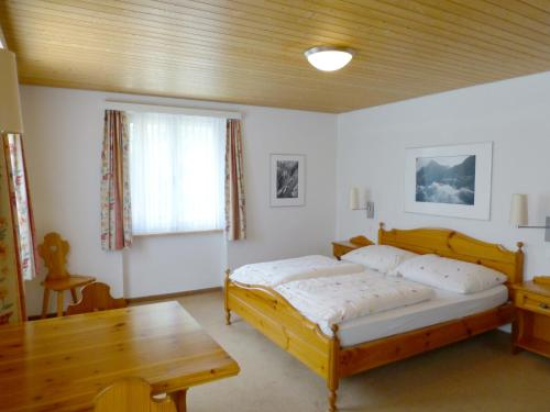 Doppelzimmer mit Seeblick (Double Room with Lake View)