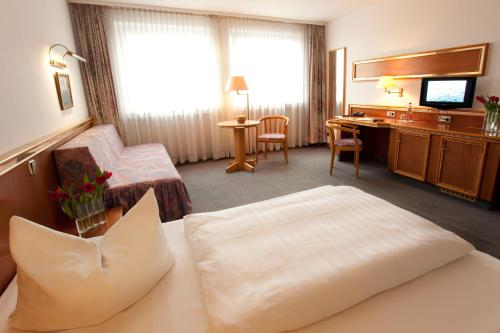 TOP Hotel Post Frankfurt Airport photo 15