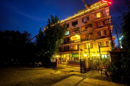 Hotel Tibet front view