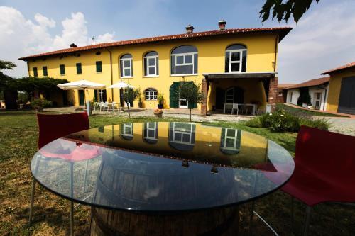 foto Eco Bio Agriturismo La Bella Vite-Camere Con Vigna (Rocca Grimalda)