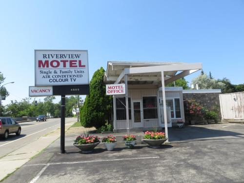 Picture of Riverview Motel